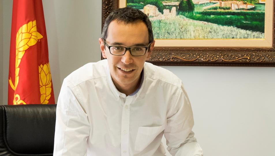 Óscar Sánchez destaca el pregoner d'enguany, el constantinenc Lluís Papiol.