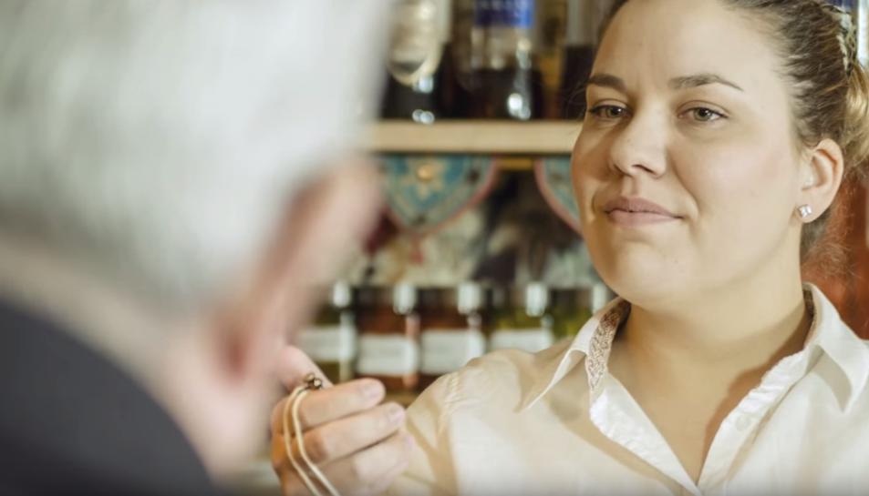 Fotograma del vídeo 'El cafelito'