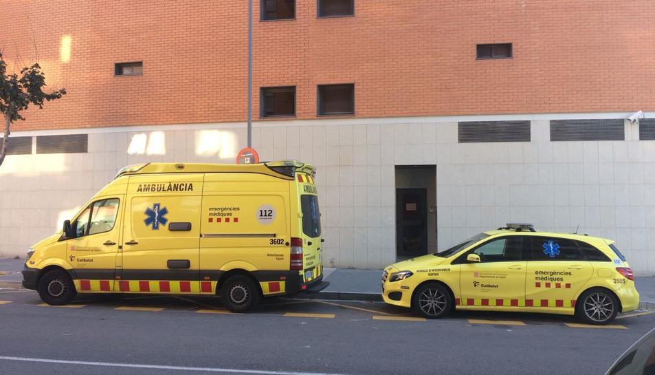 El ferit ha estat atès pel SEM, que l'ha traslladat a l'Hospital Verge de la Cinta de Tortosa.