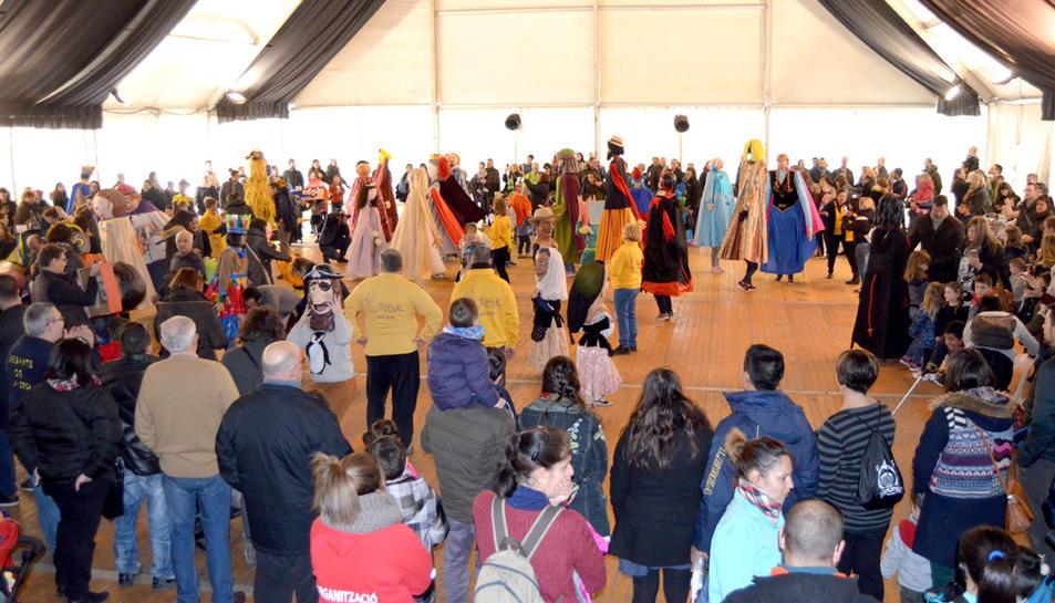 La trobada amb els petits del municipi s'ha fet a l'envelat.