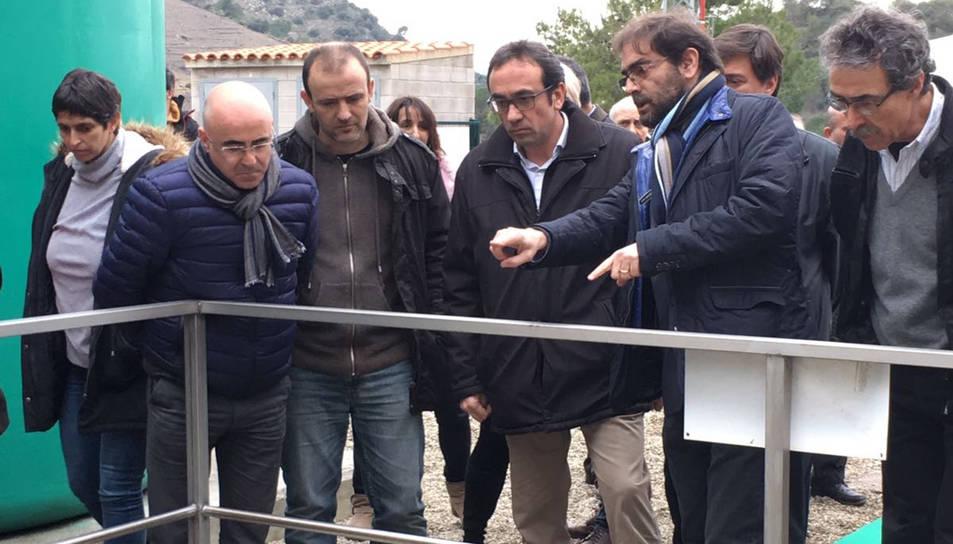 El conseller de Territori i Sostenibilitat, Josep Rull, fent la inauguració de la depuradora de Porrera.