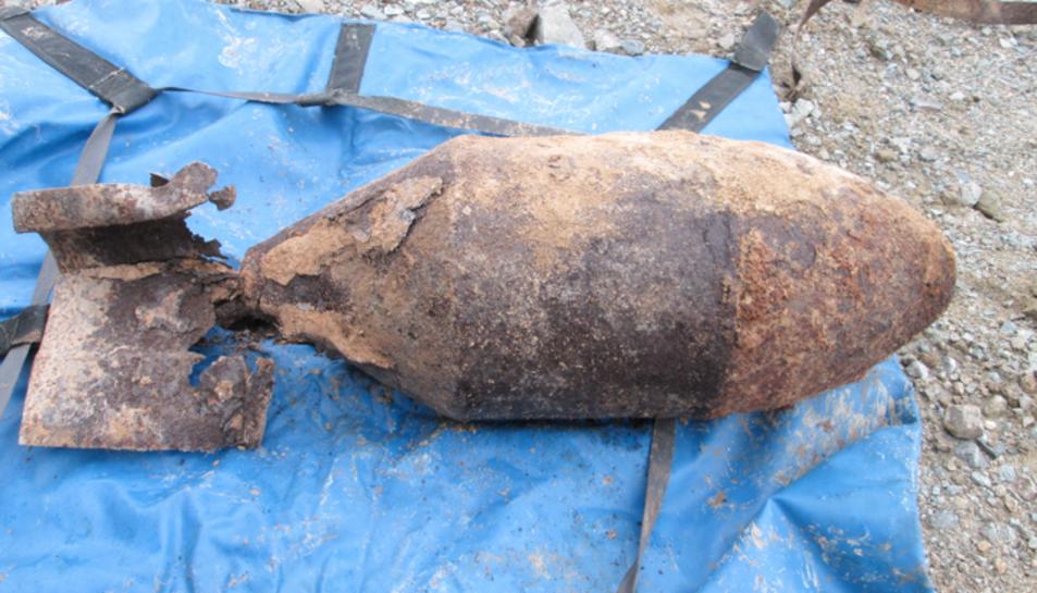Es tracta d'una bomba d'aviació d'origen rus FAB 100.
