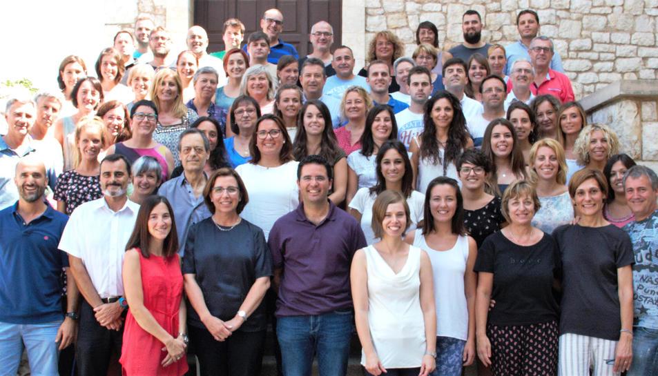 Imatge del personal docent i el PAS del Sant pau de Tarragona en l'actualitat.