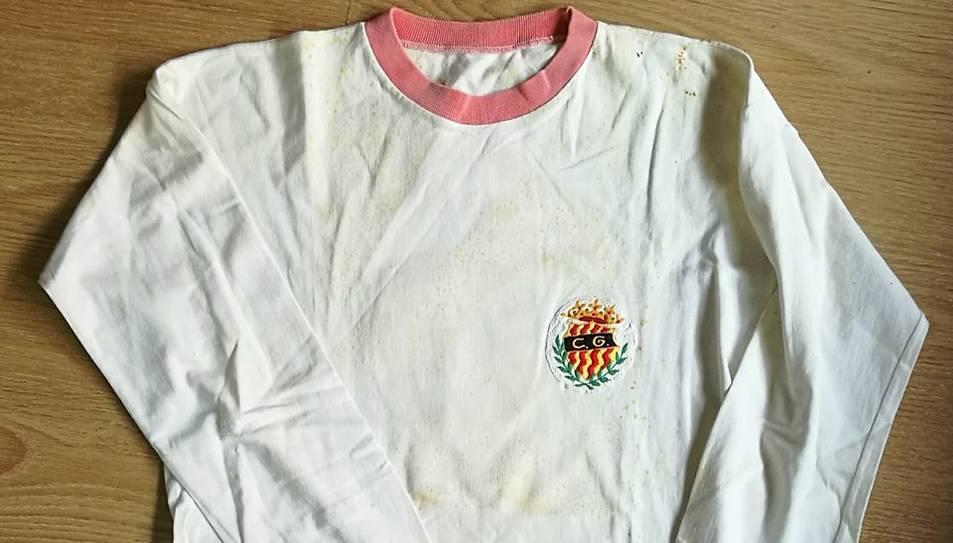 La segona equipació de l'equip de l'any 1972.