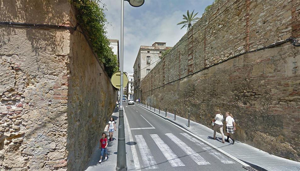 La víctima va patir el robatori de la bossa de mà al carrer Adrià de Tarragona.