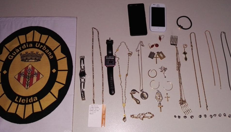 Imatge del material que li va ser intervingut al detingut.