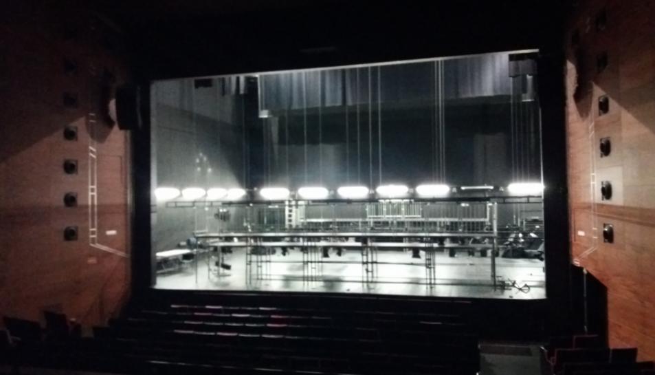 El passat dimarts 24 van començar els preparatius tècnics de l'estrena de Metròpera.