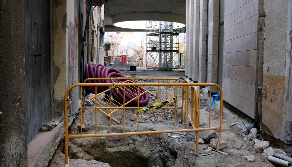 Excavacions en el subsòl al nucli antic de Valls on s'han trobat les tres sitges, al carrer dels Espardenyers