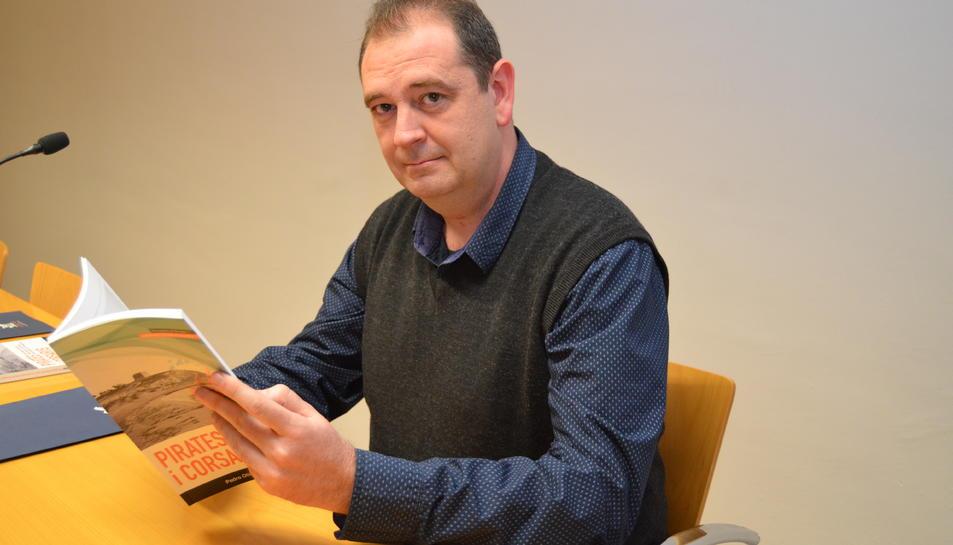 L'historiador Pedro Otiña Hermoso, el vespre de la presentació del seu llibre a Vila-seca.