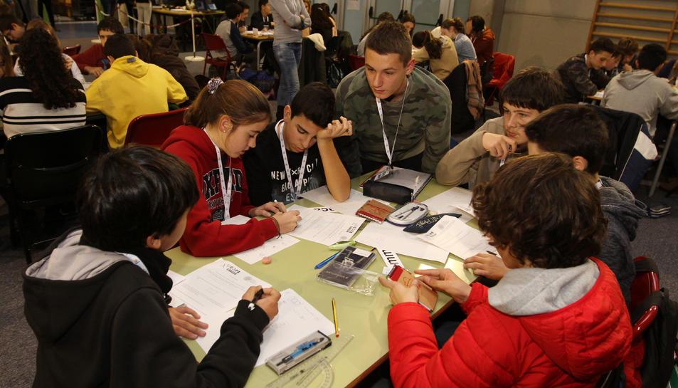 Un dels grups d'alumnes que han participat a la prova.