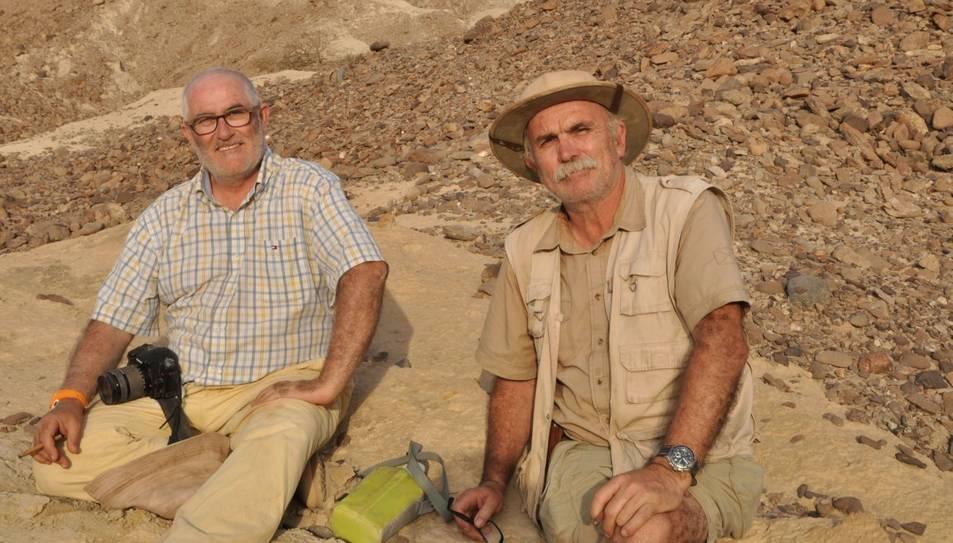 A l'esquerra Bienvenido Martínez-Navarro, i a la dreta, l'arqueòleg Eudald Carbonell, ambdós adscrits a l'IPHES.