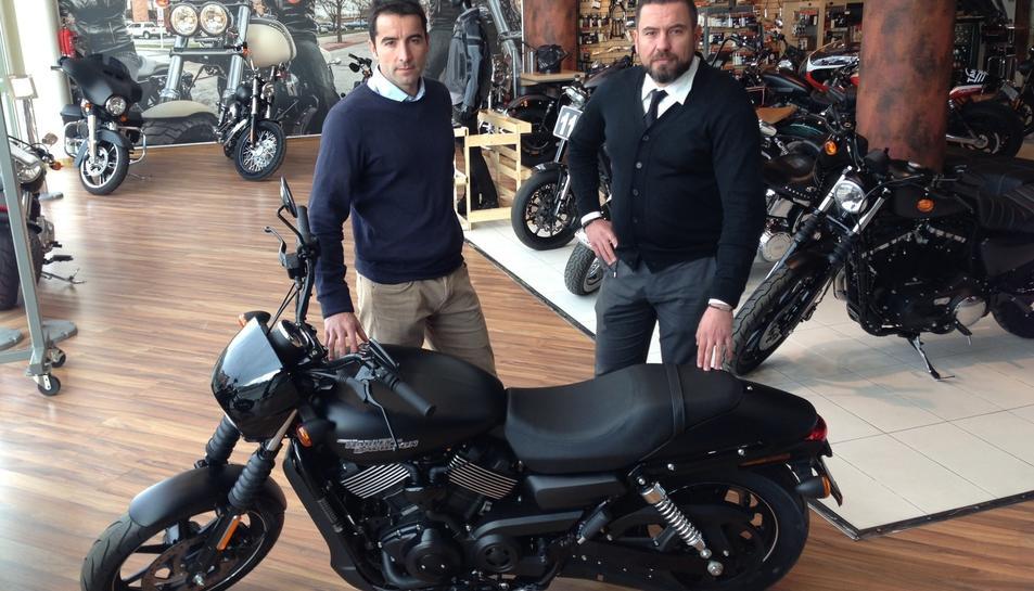 Xavi Pueyo, director del TennisPark, amb Kimy Pons, gerent de Harley-Davidson Tarraco.