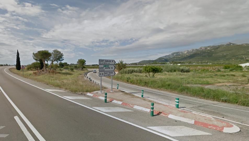 Sortida de la N-340 a Sant Carles de la Ràpita, on s'ha produït l'accident.