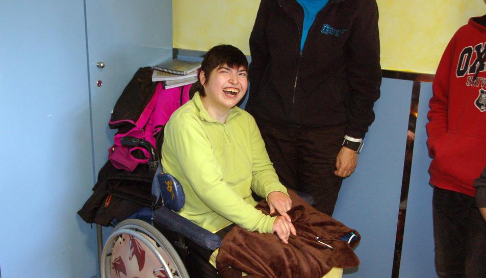 El gos-manta del Martí Franqués estimula a les persones amb paràlisi cerebral