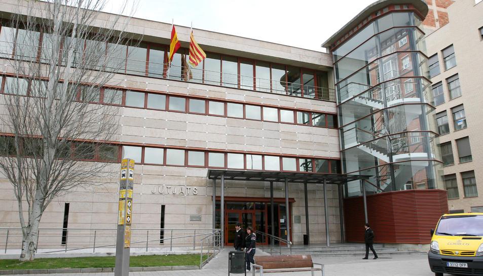 Una imatge d'arxiu de la façana dels jutjats de Reus, a l'avinguda Marià Fortuny.