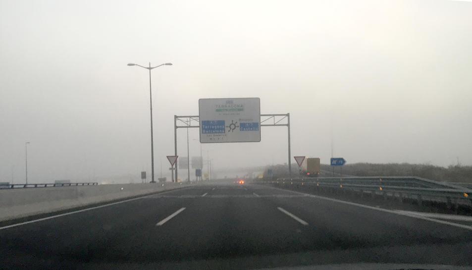 Imatge de la T-11 entre Reus i Tarragona, poc abans de la rotonda de les Gavarres, aquest dimarts a primera hora del matí.