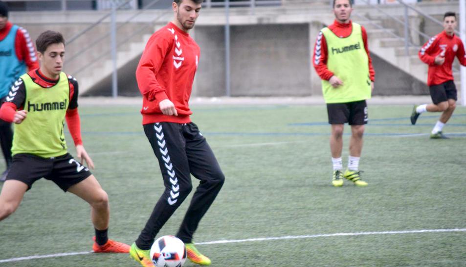 El jugador Josep Calavera ha signat el seu primer contracte professional.