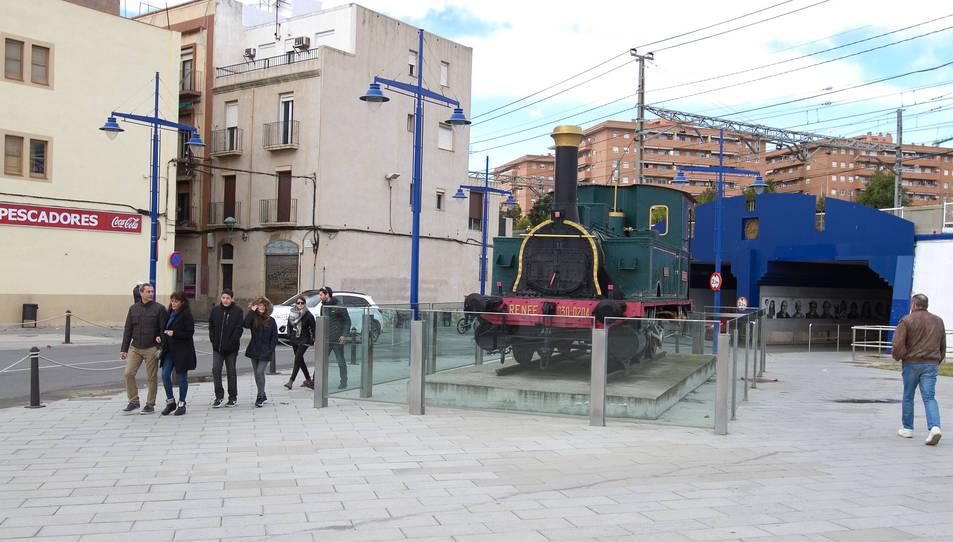 La màquina de vapor Tàrraco, a pocs metres del conegut com a pont de la Petxina.