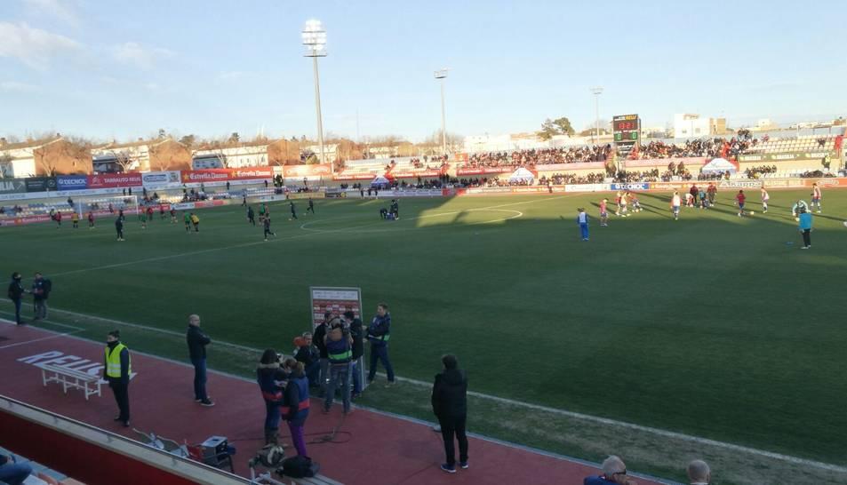 L'estadi Municipal de Reus minuts abans de començar el partit.