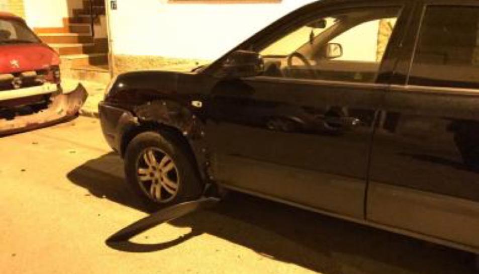 Imatge d'un dels cotxes que va rebre la topada.