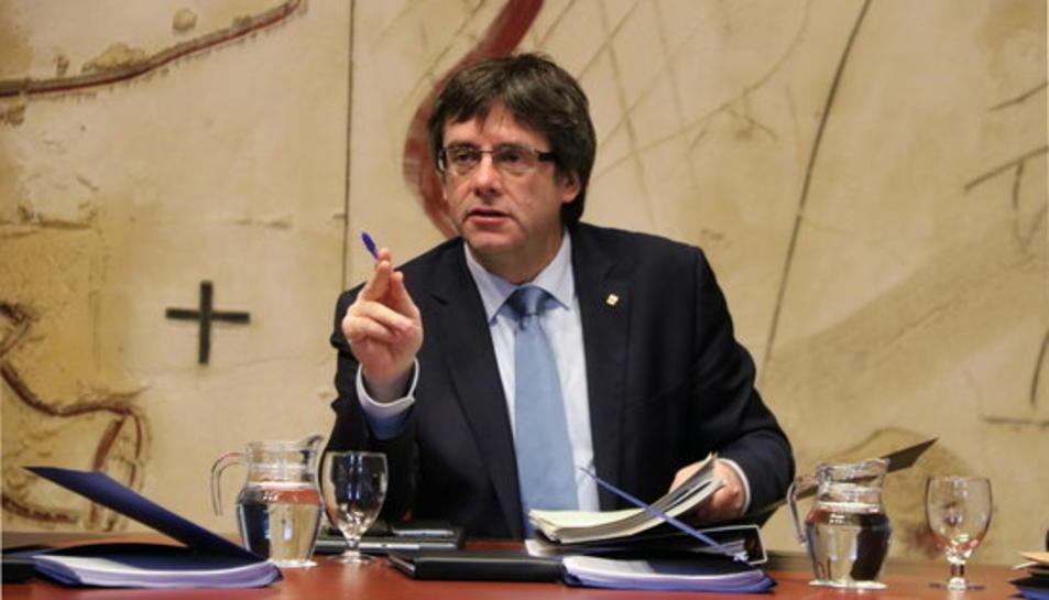 El president del Govern, Carles Puigdemont, en la reunió setmanal del Consell Executiu, al Palau de la Generalitat, el 17 de Gener de 2017