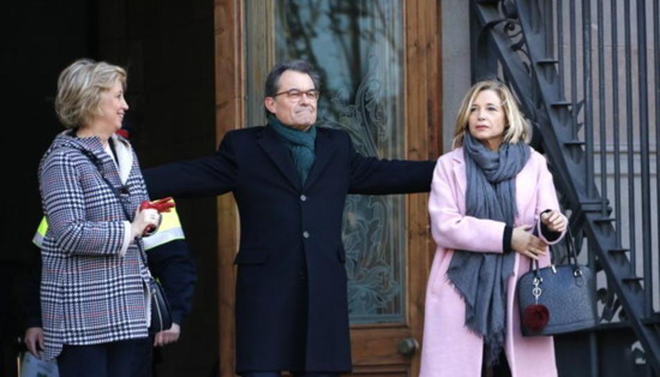 L'expresident de la Generalitat Artur Mas amb les exconselleres Irene Rigau i Joana Ortega, el 6 de febrer de 2017
