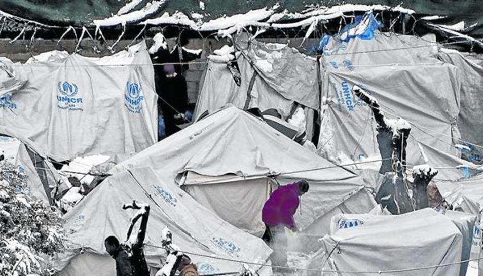 Imatge de la situació del camp de refugiats de Lesbos sota la neu.