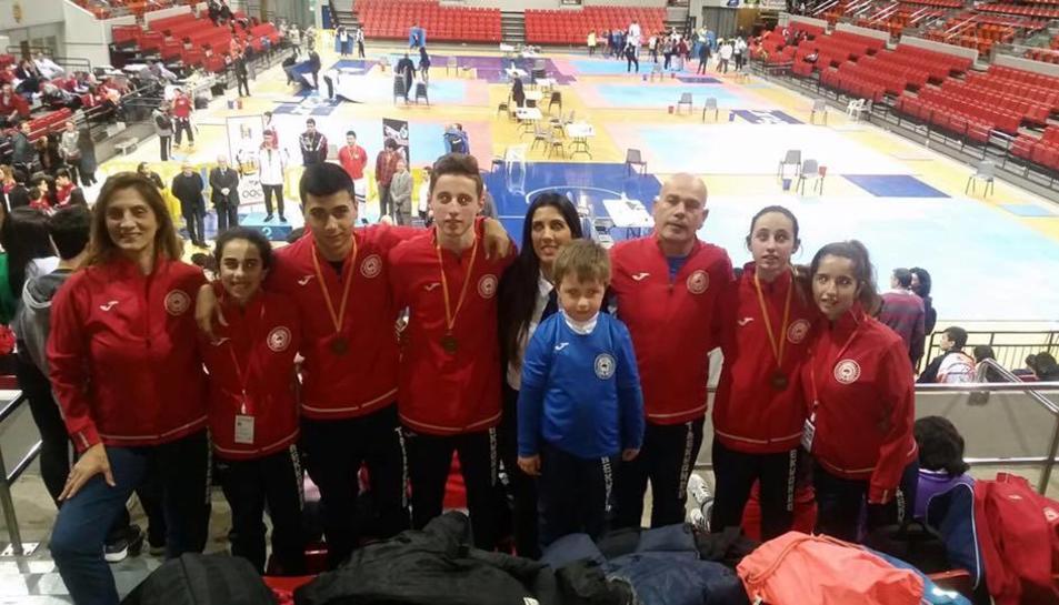 Els tawekwondistes del Gimnàs Olímpic que van participar al III Open d'Aragó.