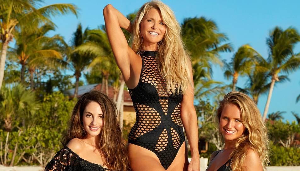 Christie Brinkley, al centre de la imatge, amb les seves dues filles.