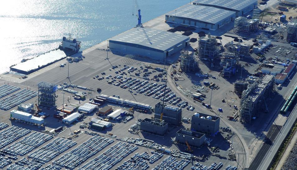 Panoràmica aèria general del Port de Tarragona.