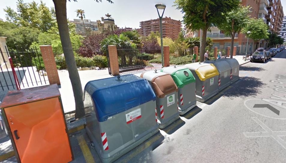 Un dels contenidors va cremar a l'alçada del número 14 de l'Avinguda Roma.