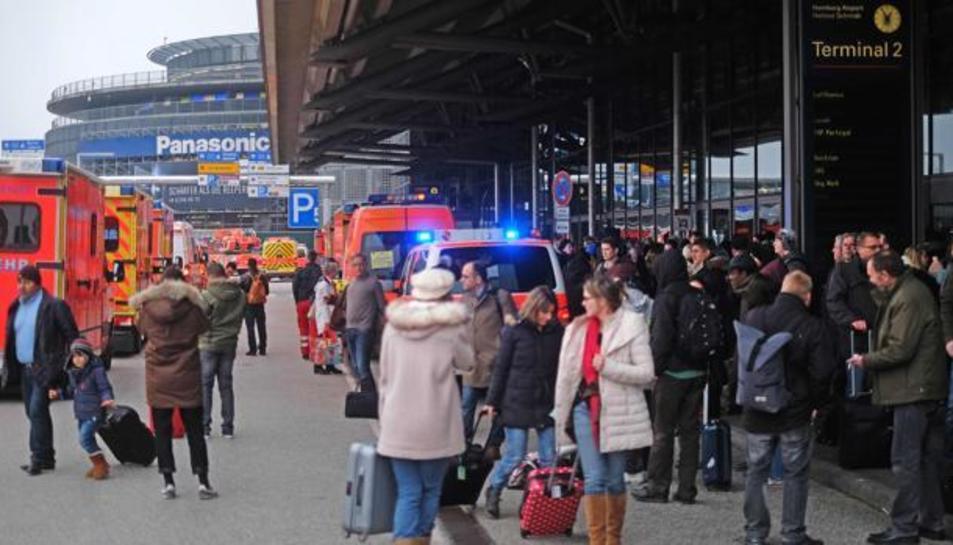 L'aeroport evacuat.