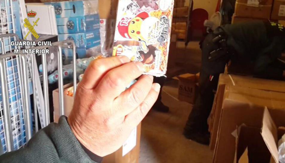 Es tracta de productes falsificats de Pokémon.
