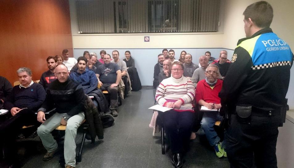 Imatge d'una de les sessions formatives en tècniques de regulació de trànsit.