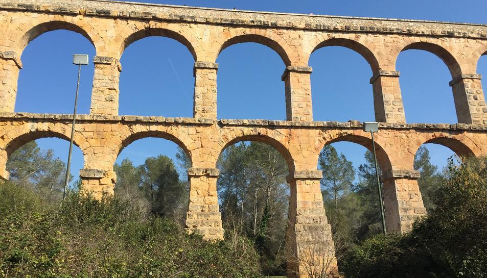 El sistema d'il·luminació del Pont del Diable està espatllat per una acció vandàlica.