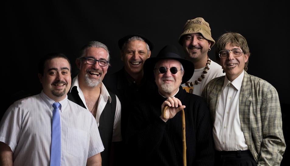 Els membres del grup Quico el Célio, el Noi i el Mut de Ferreries, que presenten nou disc.