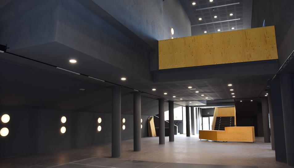 Les obres del Teatre es van aturar el 2010.