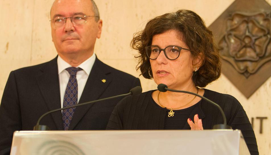 Montserrat Vilella, en la roda de premsa sobre l'incendi, a Reus.
