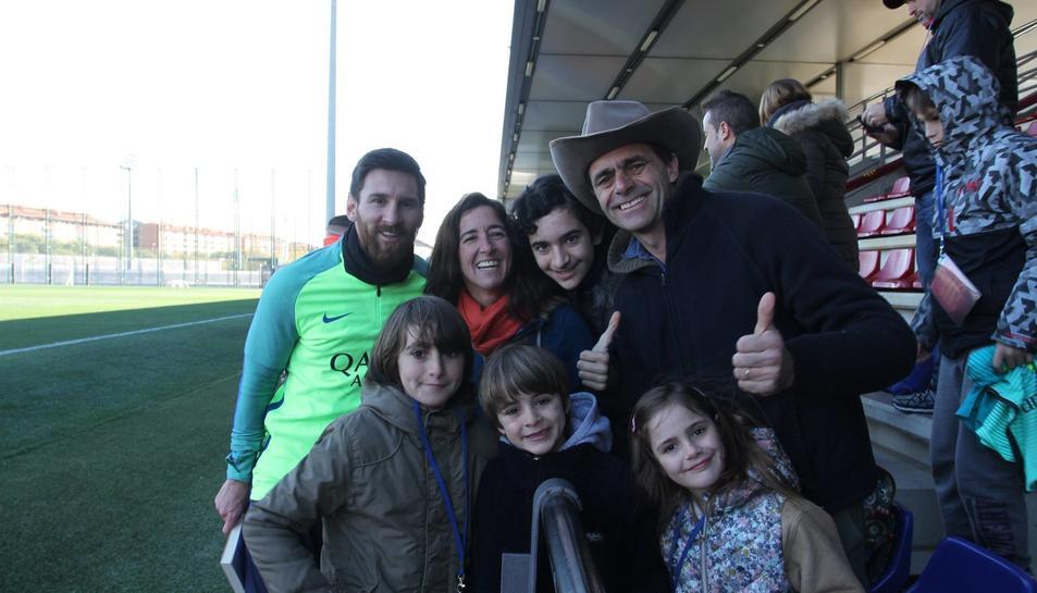 La familia amb Messi, que han pogut conèixer recentment.
