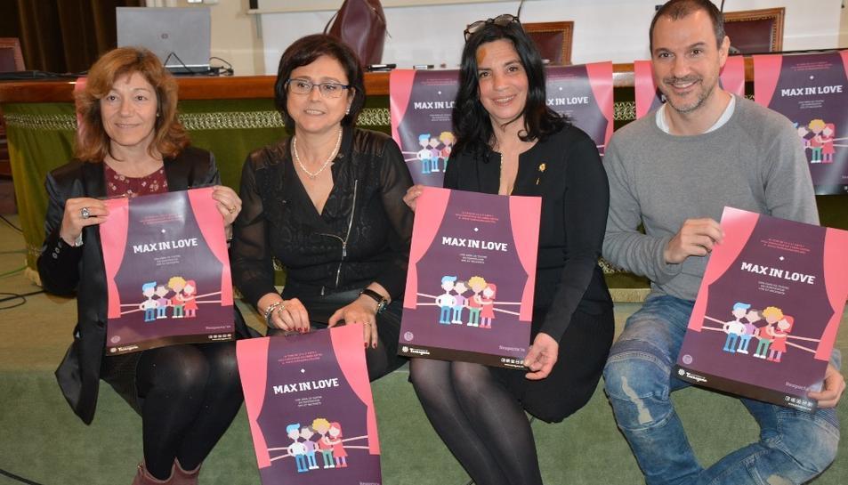Patrícia Ros i Montse Garcia, coordinadores del projecte Respecta'm; Ana Santos, consellera de Serveis a la Persona i Antonio Gomez, director de l'Aula Municipal de Teatre de Lleida