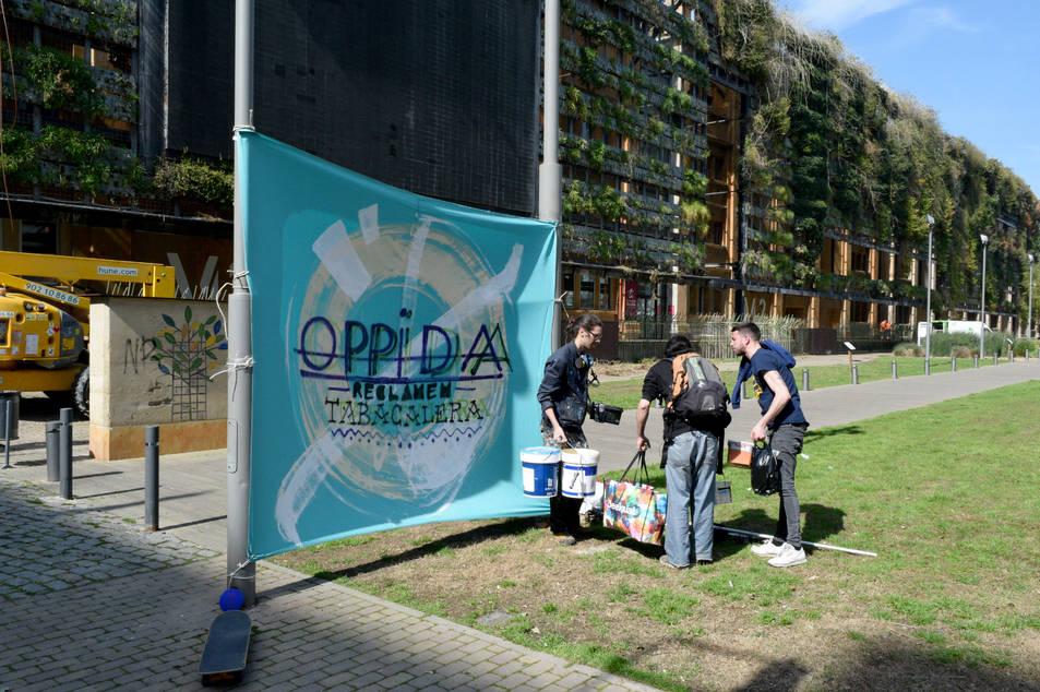 La plataforma Oppida vol reconvertir l'edifici M6 en un centre social autogestionat.