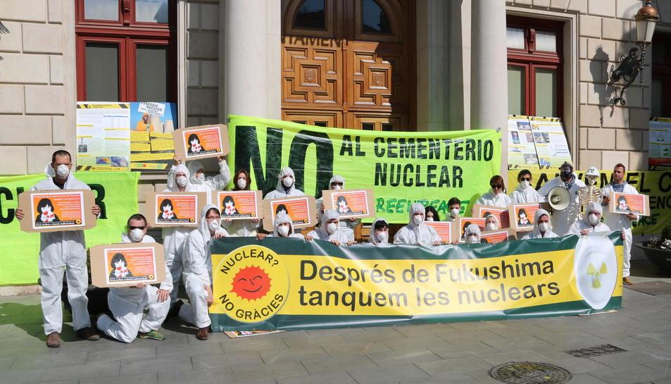 Els ecologistes, durant la manifestació.