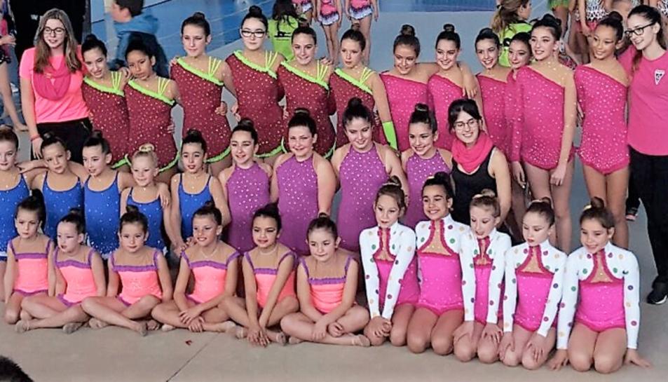 Totes les gimnastes que han participat al certamen, que ha tingut lloc dissabte 11 de març.