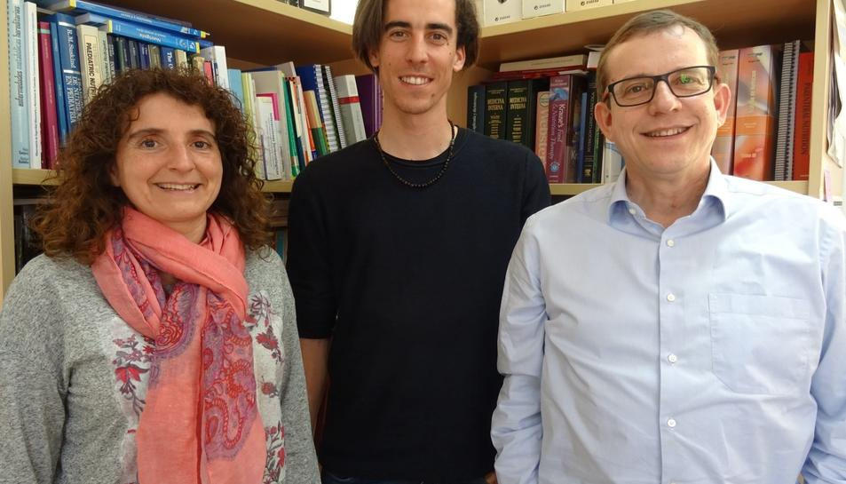 D'esquerra a dreta els doctors Mònica Bulló, Albert Salas-Huetos i Jordi Salas-Salvadó.