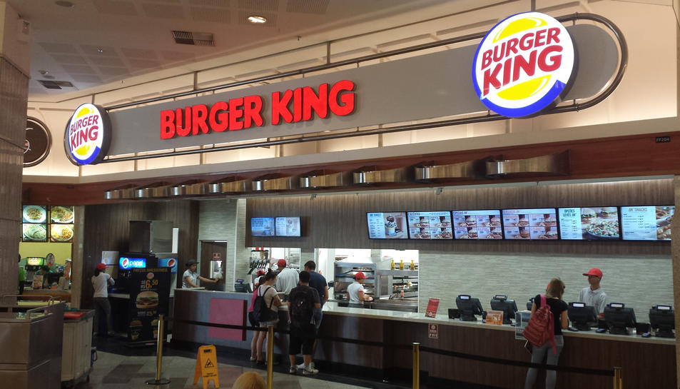 Imatge de l'interior d'un local de Burger King.