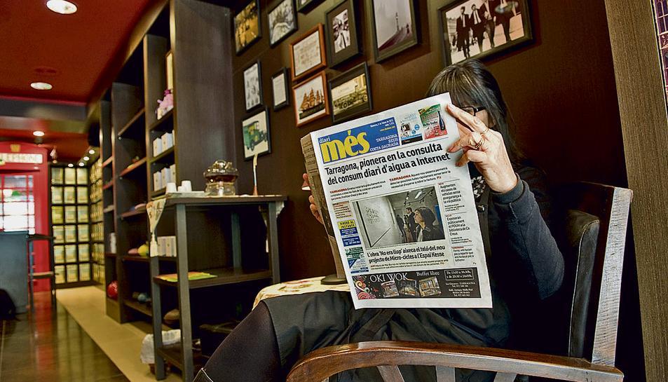 Destaquen que és d'allò més comú veure gent llegint el Més a tot arreu.