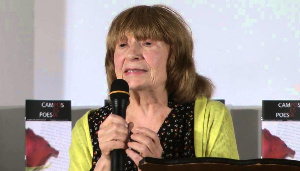 La poeta mallorquina Antònia Vicens, guanyadora de l'acció poètica de la Institució de les Lletres Catalanes i el Centre UNESCO de Catalunya.