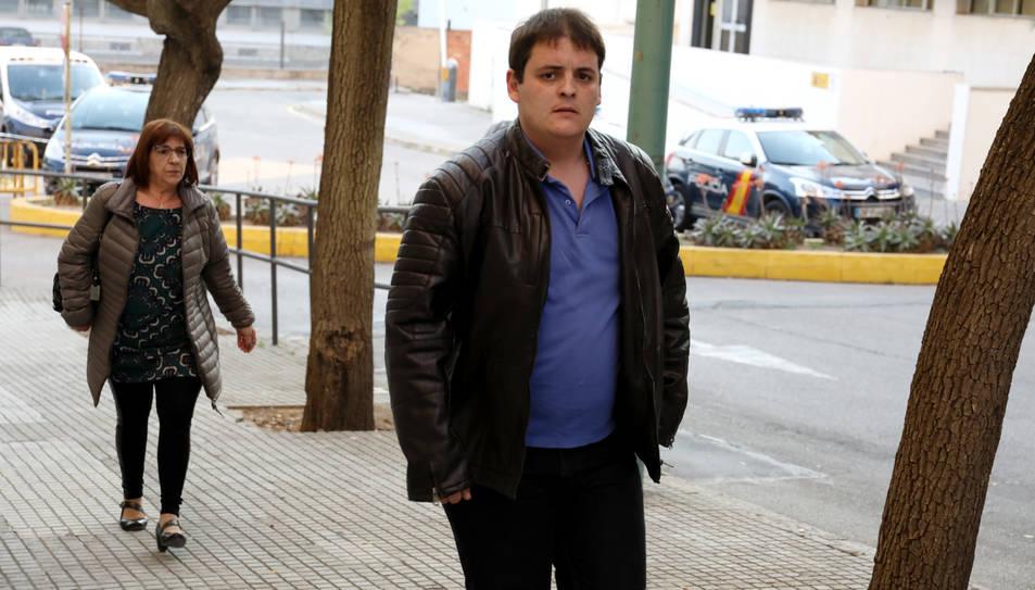 Jaume Solsona entrant a l'Audiència de Tarragona aquest dimecres.