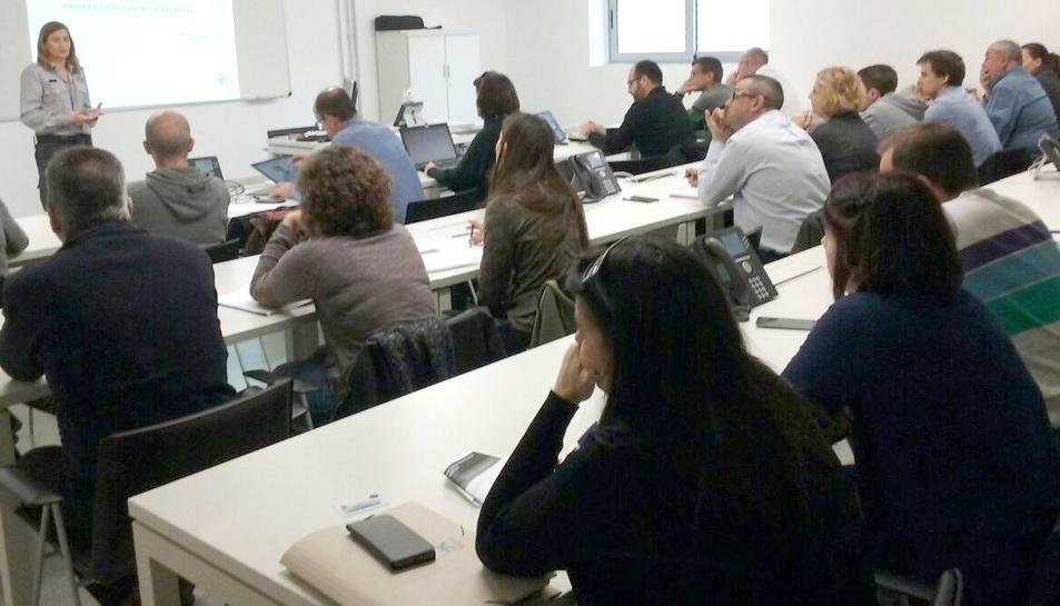 El curs es realitza a le instal·lacions del 112 a Reus.