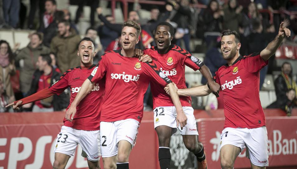 D'esquerra a dreta, Sergio Tejera, Manu Barreiro, Jean Luc i Álex López celebren el gol del gallec contra el Mallorca, fa dues setmanes al Nou Estadi.
